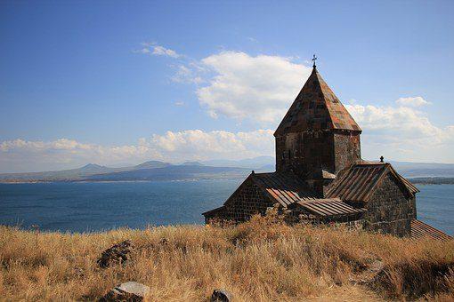 armenia lago sevan monastero