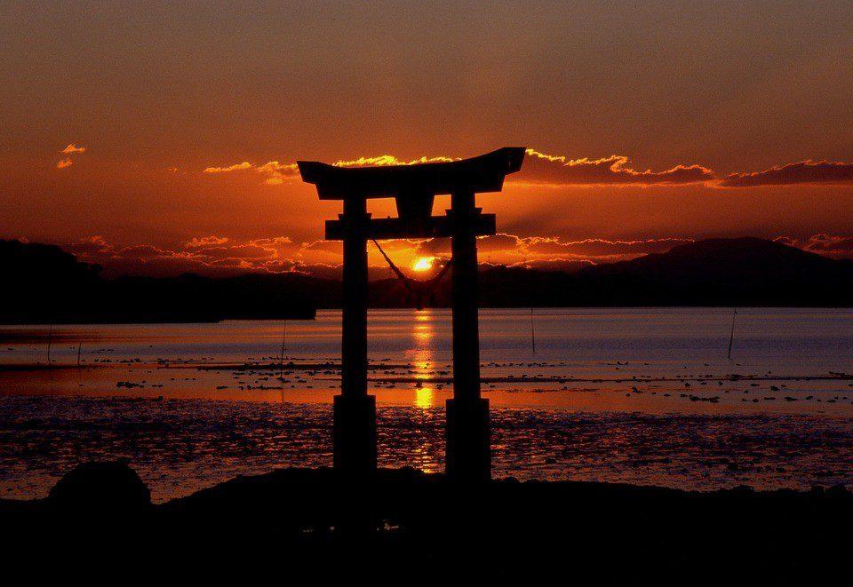 giappone santuario torii  - GIAPPONE 2 - Pasqua in Giappone: Tra Modernità, Tradizioni e Antichi Villaggi – Tour di Gruppo con Accompagnatore dall'Italia