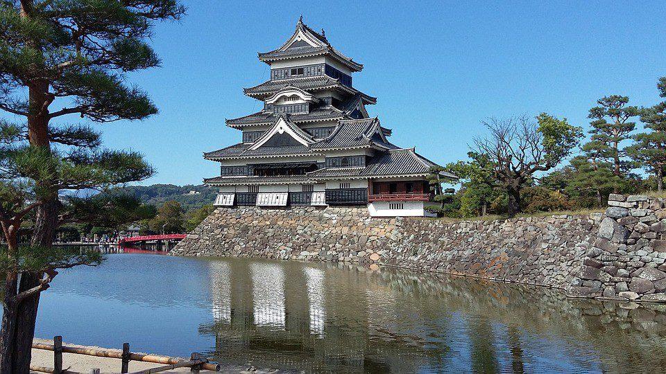 giaappne castello  - GIAPPONE 6 - Hanami Tour: Lo spettacolo della Fioritura dei Ciliegi in Giappone – tour di gruppo