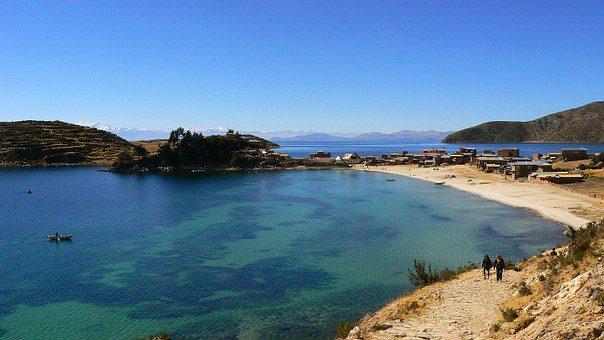 copacabana bolivia lago titicaca