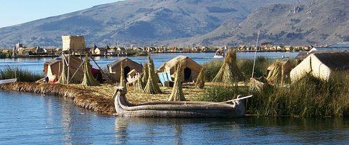 peru villaggio uros lago titicaca