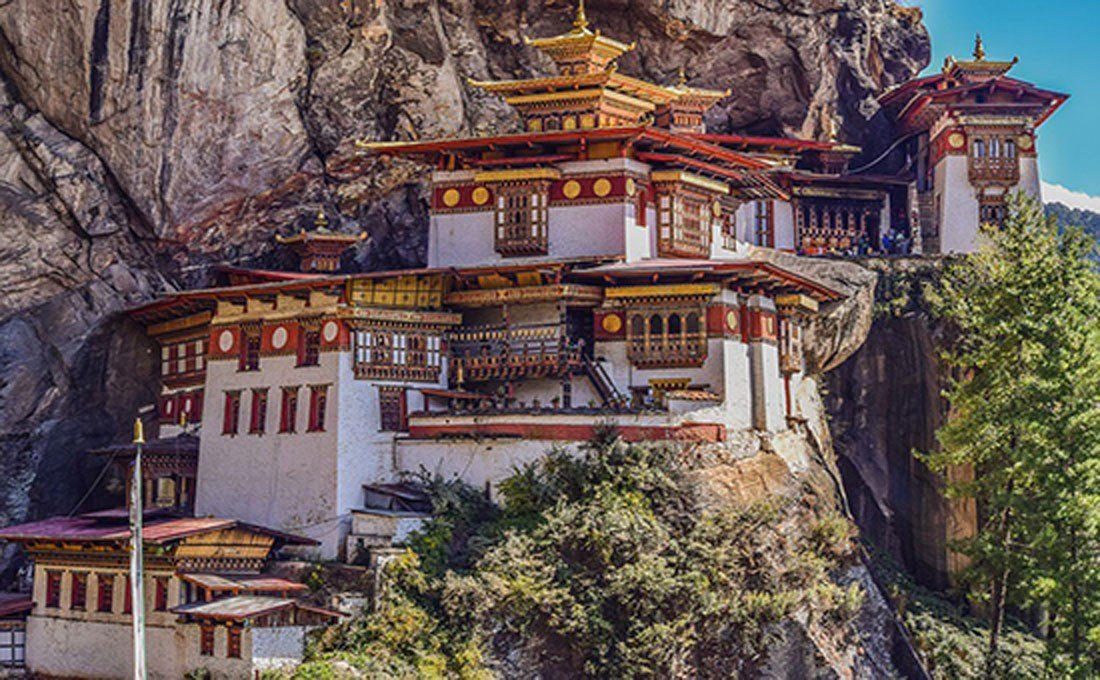 bhutan tempio  - BHUTAN - Oriente