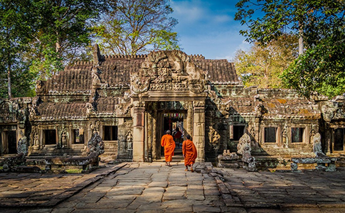 cambogia siem reap monaci