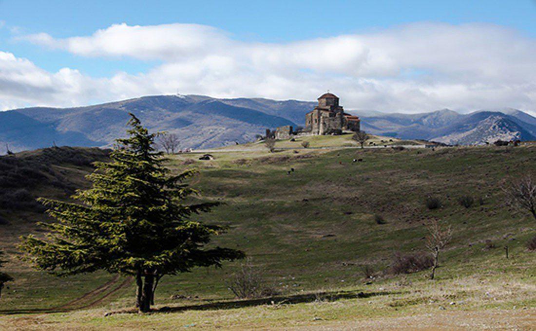 georgia paesaggio con monastero  - GEORGIA - Georgia