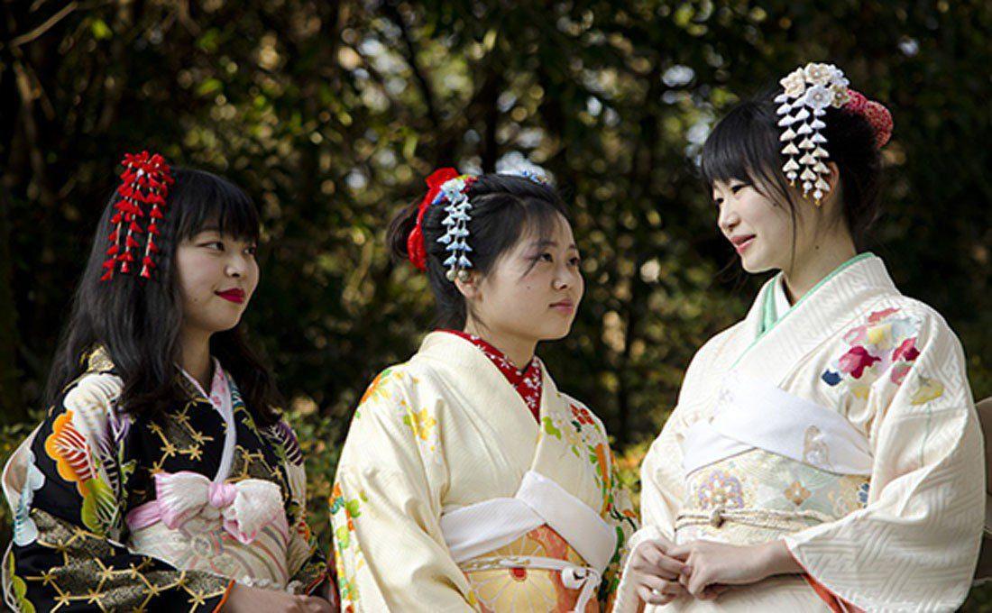 giappone kyoto ragazze kimono