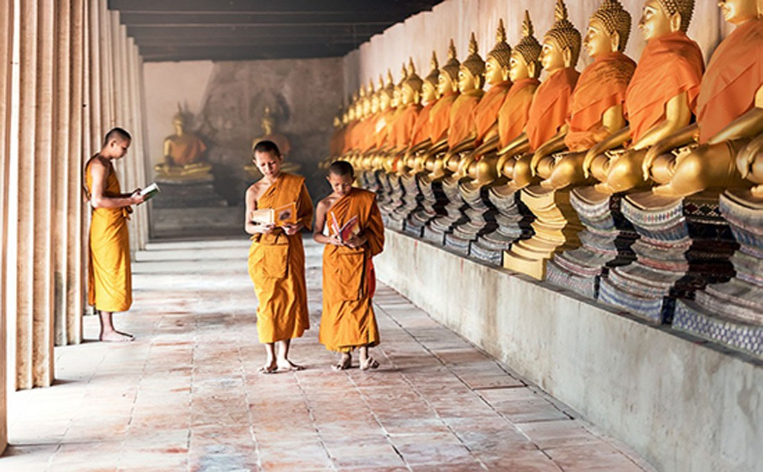 laos monaci tempio  - LAOS 1 - Oriente