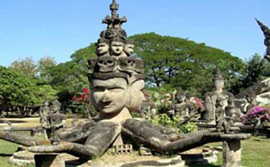 laos statue divinità